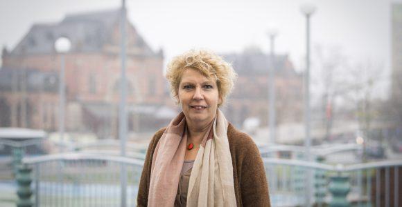Haar jarenlange ervaring binnen gemeentelijke organisaties zet Aline Pruntel nu in als zelfstandig interimmanager in het sociaal domein.