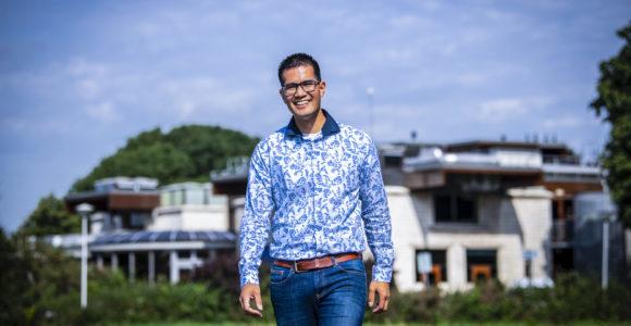 Edward van 't Zelfde is op zijn plek bij gemeente Nieuwkoop, een organisatie waar een meer informele sfeer heerst.
